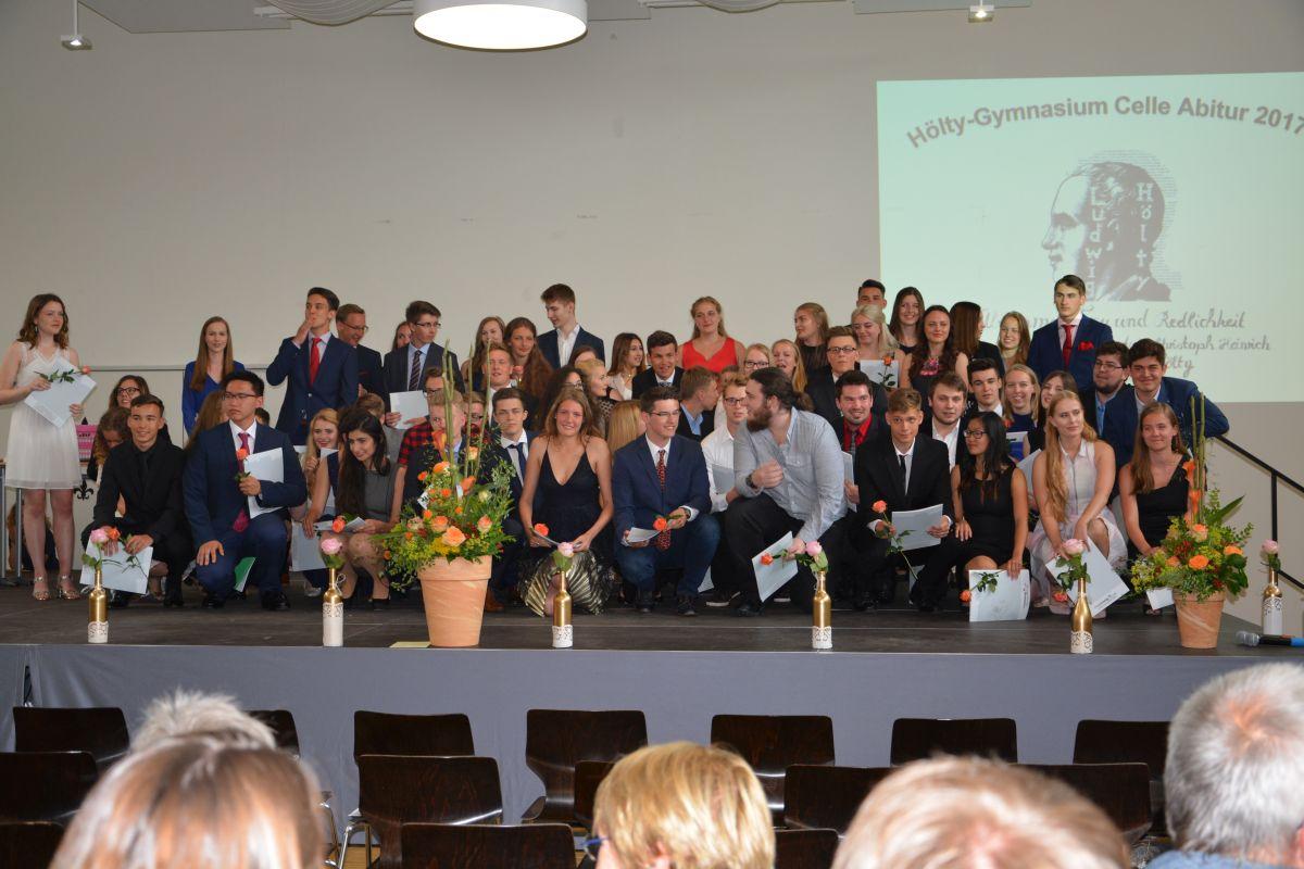 Durch individuelle und gemeinschaftliche Anstrengung Einklang mit sich selbst erreichen – die Abiturentlassungsfeier 2017