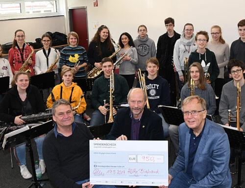Hölty Bigband spielt 950 Euro für das Onkologische Forum ein (CelleHeute am 21.03.2019)
