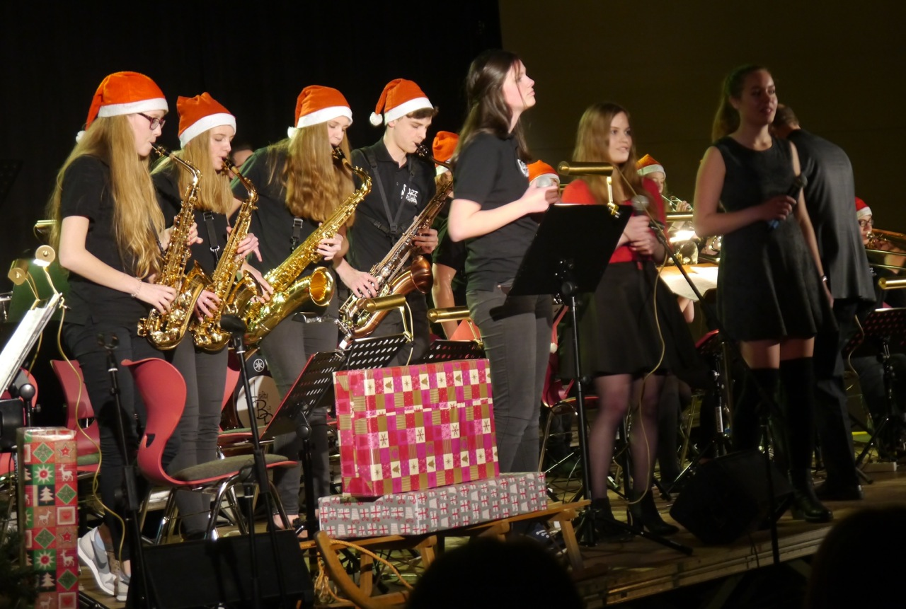 Alle Jahre wieder – Weihnachtskonzert am Hölty!
