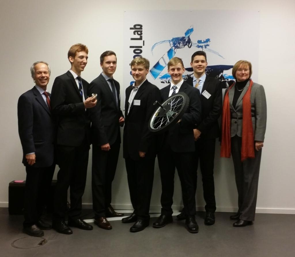 v.l.n.r. Holger Bach, Phillipp Engelke, Henrik Bartsch, Kenan Helms, Robert Leineweber, Gedeon Schulze, Monika Nerreter