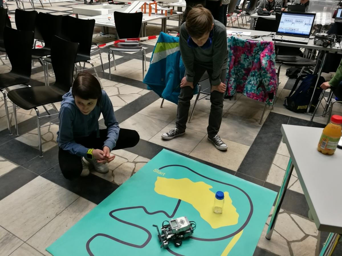 Roboterteams verfehlen Podestplätze denkbar knapp (mit Videos)