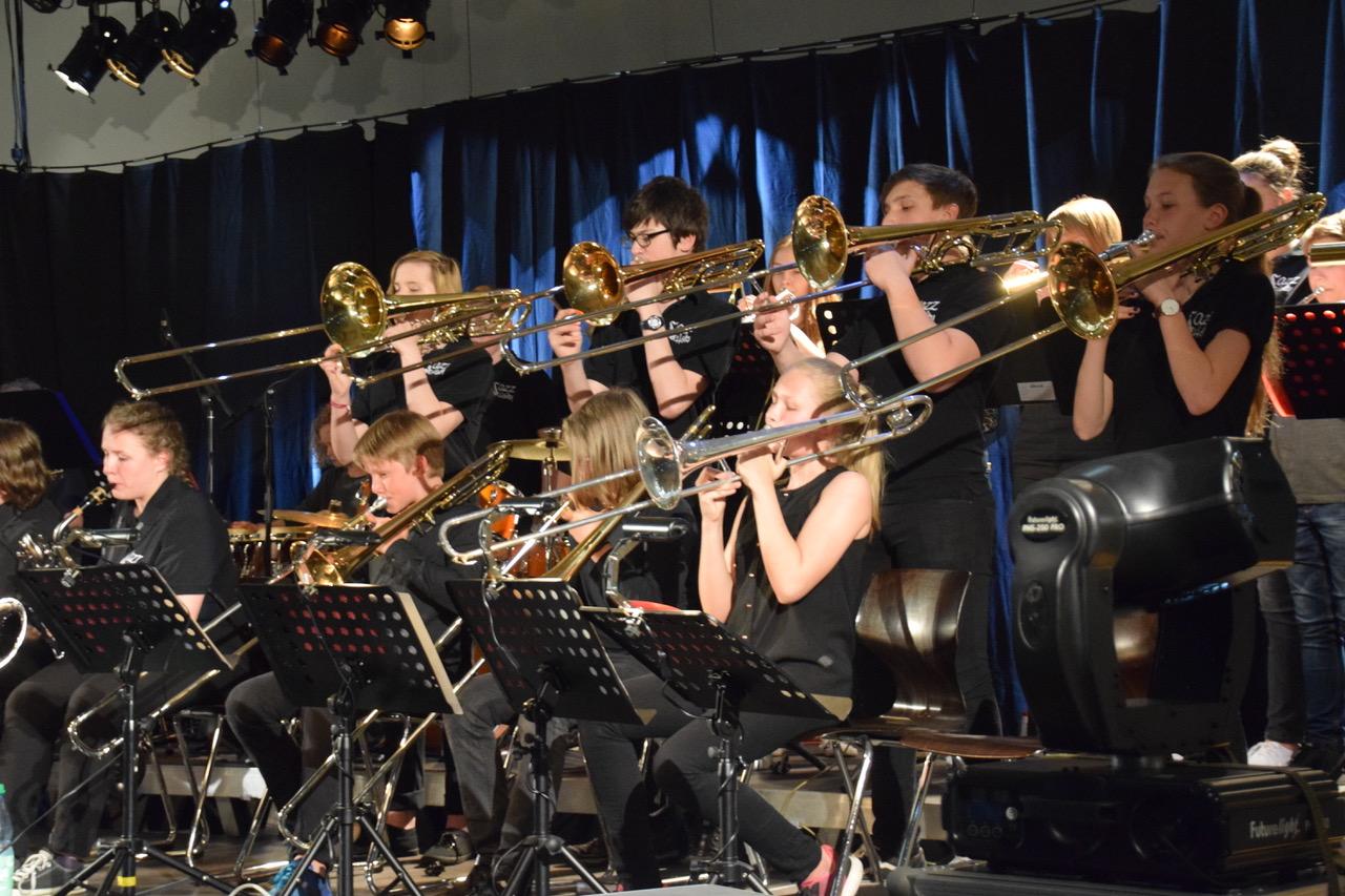 """Hölty-Bigband spielte stark auf bei """"Jazz in the Gym"""""""