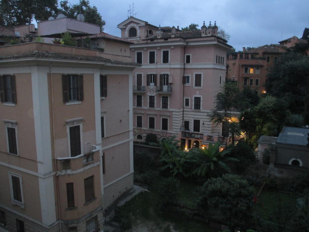 Blick aus der Casa per Ferie der Ursulinen-Schwestern (Herberge für Rom-Reisende)