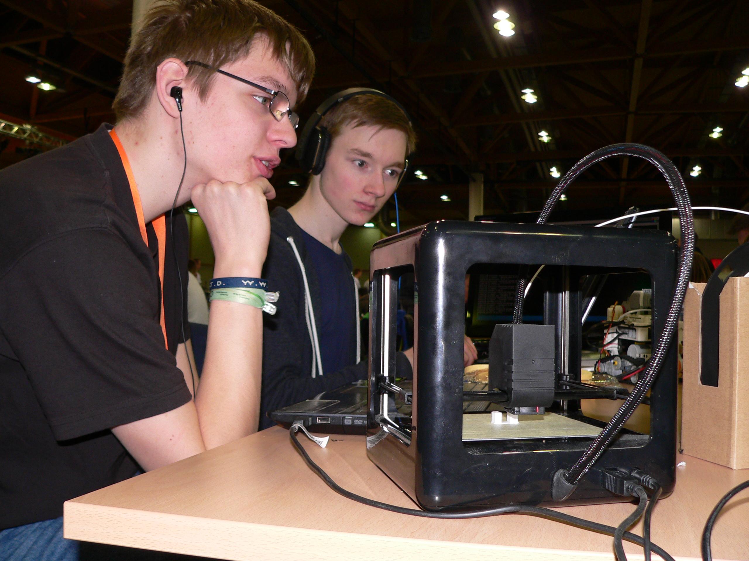 Hölty-Roboterteam nahm am RoboCup Junior Finale teil