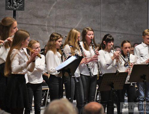 Weihnachtskonzert des Hölty Gymnasiums Celle mit wohlklingenden Ensembles (CelleHeute am 16.12.2018 und Cellesche Zeitung am 17.12.2018)