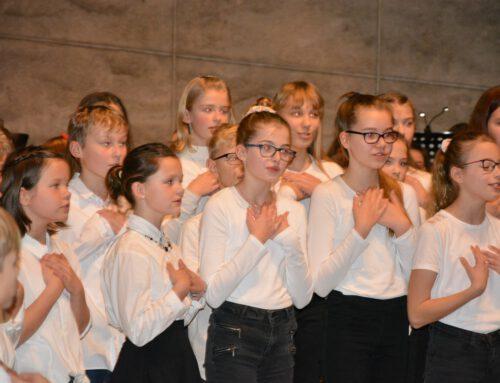 Hölty-Gymnasium läutet mit Weihnachtskonzert die Festtage ein  (auch CelleHeute am 16.12.2019)